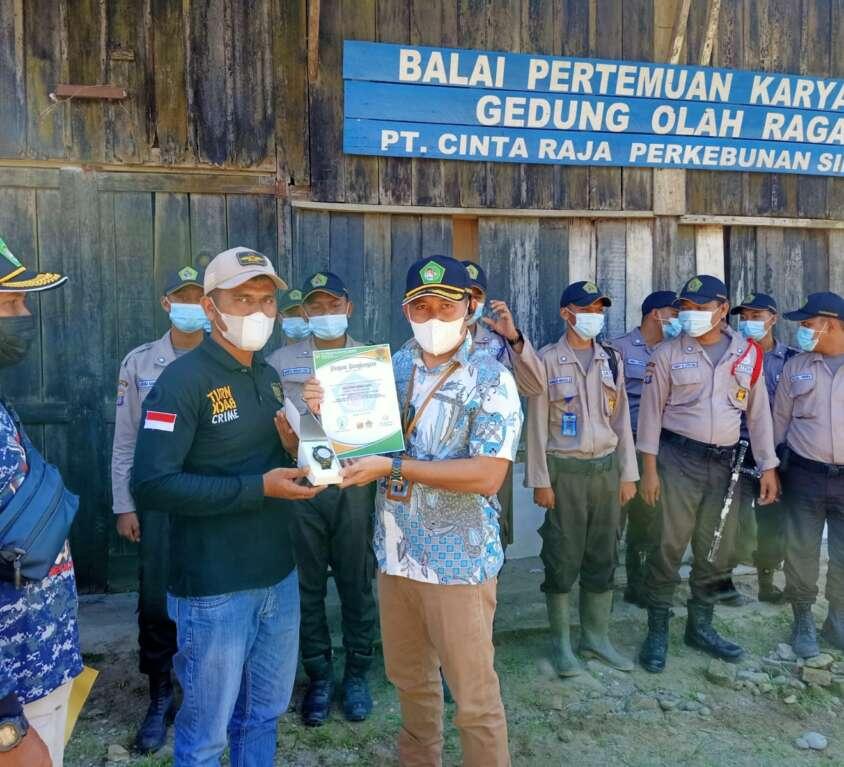 Penghargaan Satpam di PT Cinta Raja Perkebunan Silinda